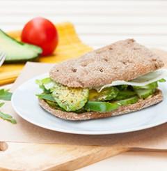 Avokadolu Sandviç